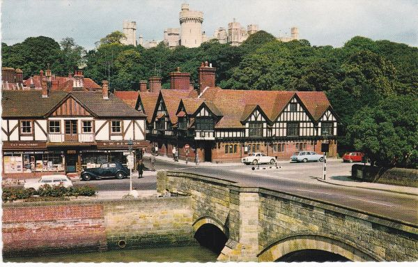 Post Card Sussex ARUNDEL Wardell's Natural Colour