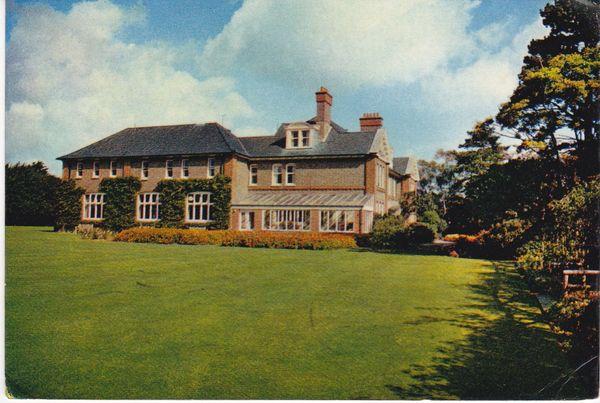 Post Card Sussex BOGNOR REGIS Hambledon Place J. Arthur Dixon SP. 1254