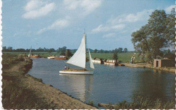 Postcard Norfolk Broads Ludham Bridge River Ant