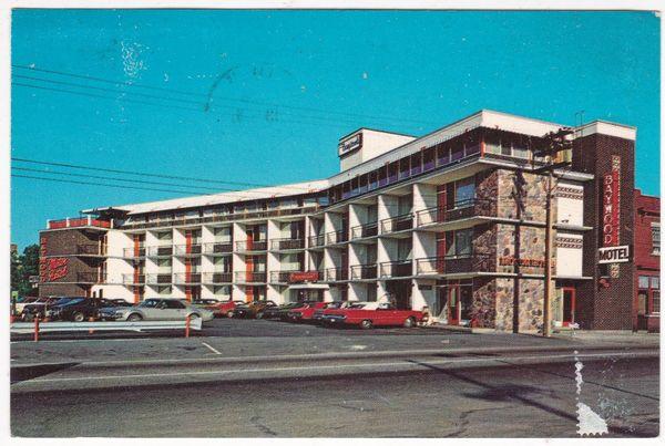 Postcard Canada Ontario North Bay Baywood Motor Hotel