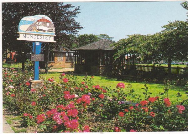 Postcard Norfolk Mundesley The Town Sign and Gardens