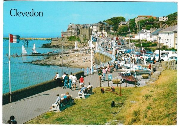 Postcard Somerset Clevedon Marine Parade