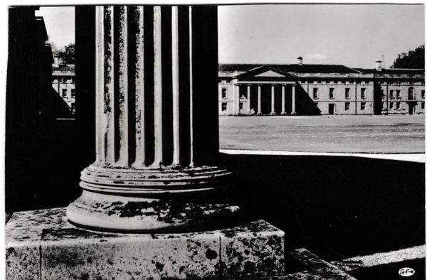 Postcard Cambridgeshire CAMBRIDGE Downing College