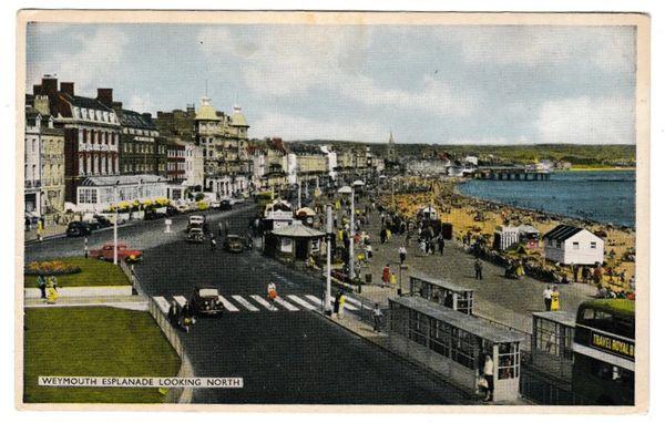 Postcard Dorset Weymouth Esplanade looking north