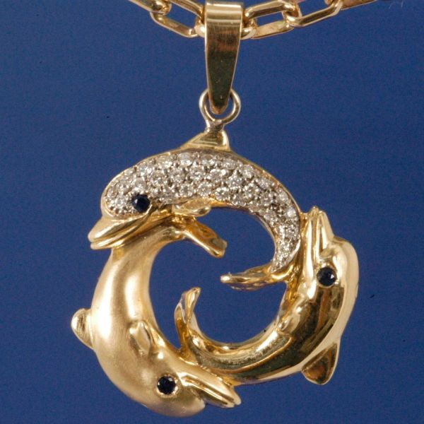 Dolphins in Circle, with added Diamonds and other precious Stones