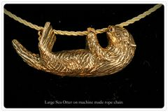 Sea Otter Pendant in 14K Gold