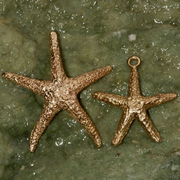 Starfish Pendant in 14K Gold - Large