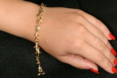 Dolphin Bracelet in 14K Gold- Large