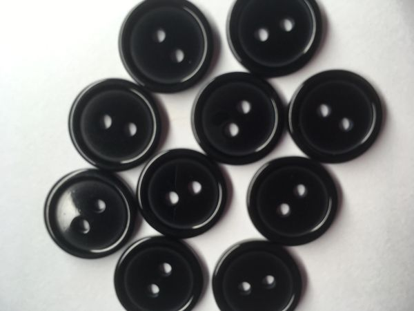 The Bead and Button Box - 10 Resin Black Buttons. 15mm. Ideal for sewing, Knitting, Crochet, scrapbooking, card making and other Craft Projects