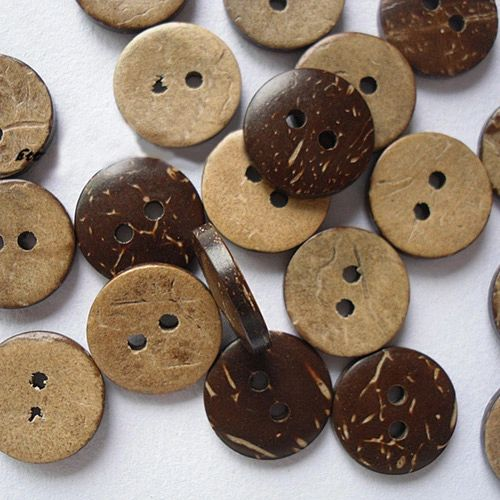 The Bead and Button Box - 10 Coconut shell Buttons, 15mm 2 Holes. Round Buttons , for Sewing, Scrapbooking, Embelishments, Crafts, Jewellery making, shabby chic, Knitting,