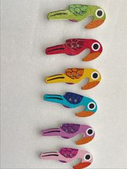 The Bead and Button Box. 6 Pretty wooden Parrots. 40mm (4cm) x 17mm. Great for card making and other craft projects.