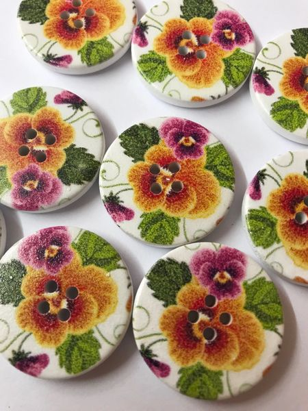 The Bead and Button Box - 10 Yellow Pansy Design Wooden Buttons 30mm. Great for sewing, knitting, crochet, scrapbook, Button art and other crafts