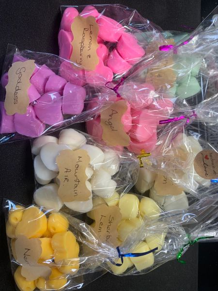 The Bead and Button Box - 10 Highly Fragrance Heart shaped Wax Melts.