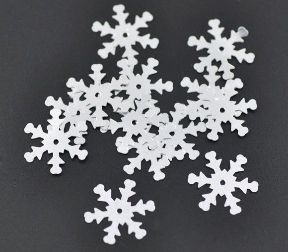 10g Over 200 Silver Snowflake Sequins, Confetti, 19mm. Great For Christmas