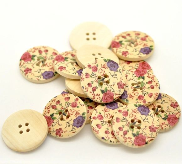 The Bead and Button Box - 10 Wooden Purple and Pink Flower Buttons 30mm