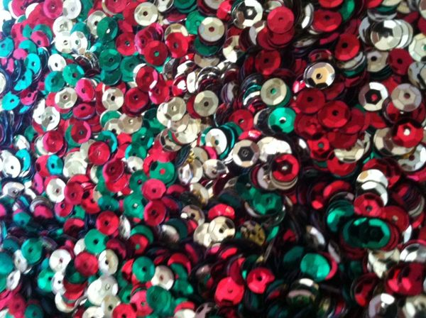 15g of 6-7mm Christmas Mix Cup Sequins, Premium Quality & Great for all your Craft Projects: Card Making, Scrapbooking, Sewing, Wedding Favours & Lots more...