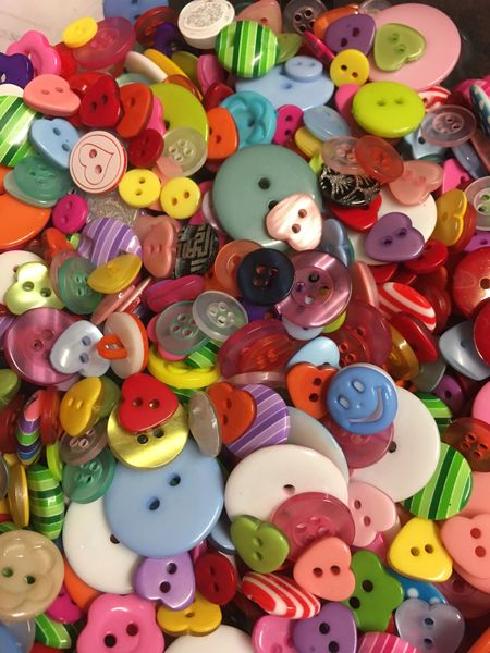 50g Quality Resin/acrylic Buttons. Assorted mix of designs and colours. Ideal for sewing, scrapbooking and other crafts.