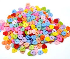 Pack of 100 Mixed 11mm x 12mm Heart Shape Sewing / Knitting Buttons