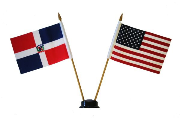 "DOMINICAN REPUBLIC & USA SMALL 4"" X 6"" INCHES MINI DOUBLE COUNTRY STICK FLAG BANNER ON A 10 INCHES PLASTIC POLE .. NEW AND IN A PACKAGE"