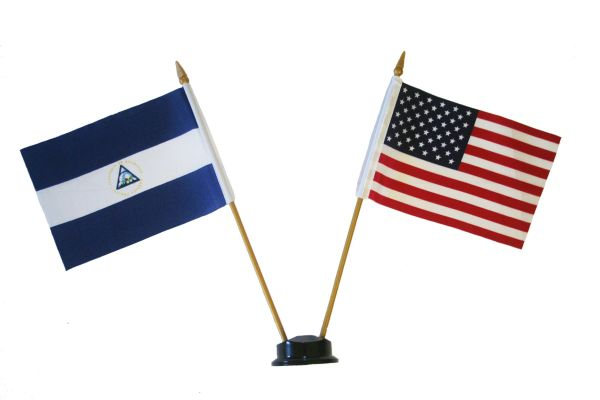 "NICARAGUA & USA SMALL 4"" X 6"" INCHES MINI DOUBLE COUNTRY STICK FLAG BANNER ON A 10 INCHES PLASTIC POLE .. NEW AND IN A PACKAGE"