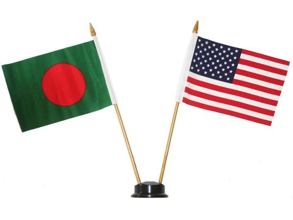 "BANGLADESH & USA SMALL 4"" X 6"" INCHES MINI DOUBLE COUNTRY STICK FLAG BANNER ON A 10 INCHES PLASTIC POLE .. NEW AND IN A PACKAGE"