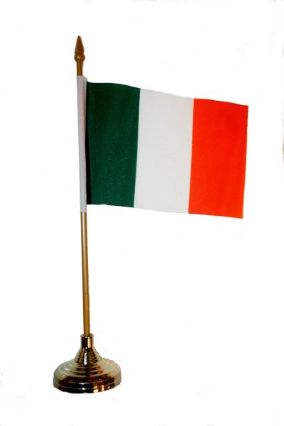 "IRELAND 4"" X 6"" INCHES MINI COUNTRY STICK FLAG BANNER WITH GOLD STAND ON A 10 INCHES PLASTIC POLE .. NEW AND IN A PACKAGE."