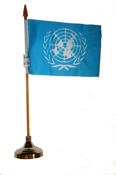 "UNITED NATIONS 4"" X 6"" INCHES MINI COUNTRY STICK FLAG BANNER WITH GOLD STAND ON A 10 INCHES PLASTIC POLE .. NEW AND IN A PACKAGE."