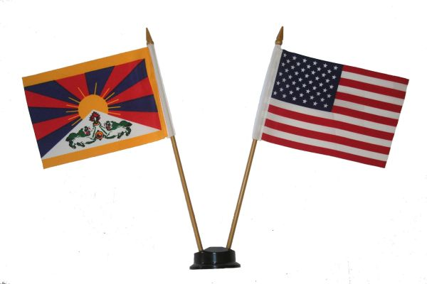 "TIBET & USA SMALL 4"" X 6"" INCHES MINI DOUBLE COUNTRY STICK FLAG BANNER ON A 10 INCHES PLASTIC POLE .. NEW AND IN A PACKAGE"