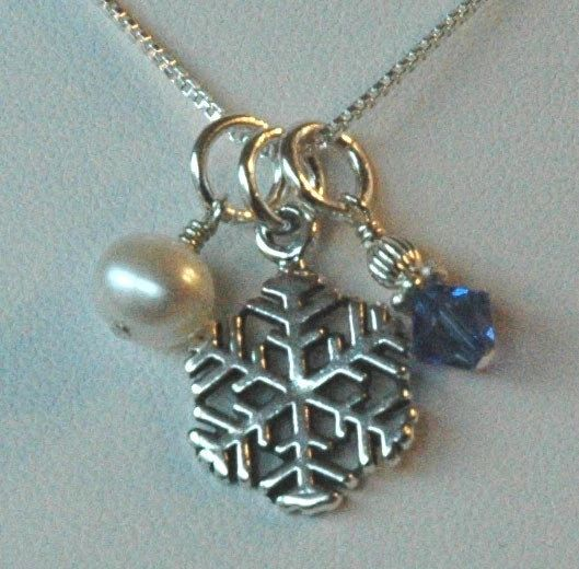 Sterling Silver SNOWFLAKE Charms Necklace, winter wedding snowflake necklace, Pearl snowflake neckace, Bridesmaid Jewelry