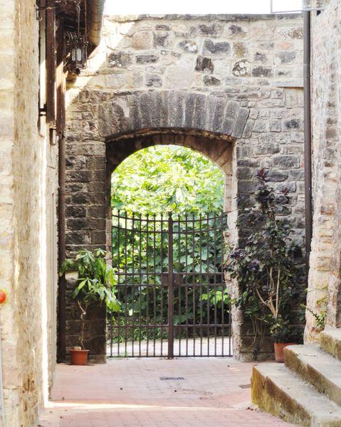 Gates to Grapes
