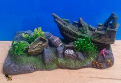 Aquarium Ornament Fish Tank Decoration Shipwreck Boat with Plants
