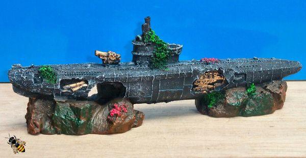Submarine U Boat Rocks War Sub Wreck Ornament Aquarium Fish Tank