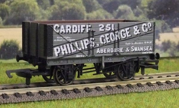 HORNBY 6813...OO PHILLIPS GEORGE & CO..Aberdare & Swansea