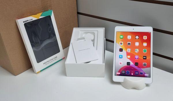 Apple iPad Mini Wi-Fi 256GB -Model / White/Silver / Inc Latest iOS Inc Free Case