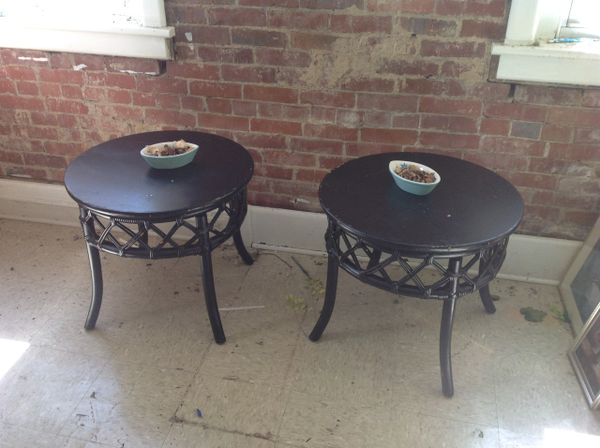 Black Round End Table (1 pair)