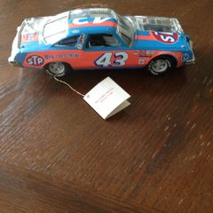 Richard Petty #43 Die Cast Car Franklin Mint