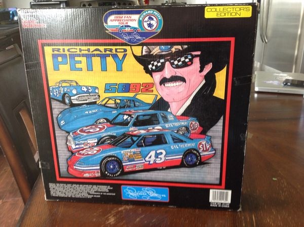 Richard Petty #43 Semi-Truck and 2/car set