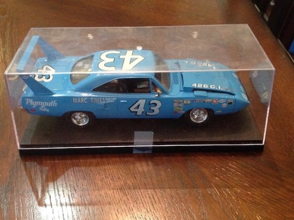 Richard Petty #43 Collectable Plymouth