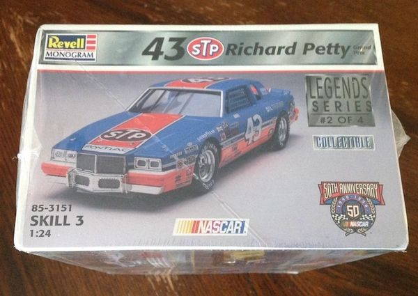 Collectable Richard Petty Revell Model Car
