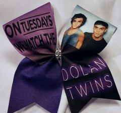On Tuesdasy we watch Dolan Twins Glitter Ribbon Cheer Bow