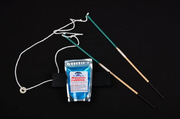 (1) 2-foot (green) string, 2-piece Wand and (1) Bubble Kit - FREE domestic shipping