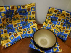 Microwaveable Bowl Cozy / UCLA