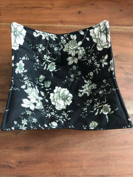 Microwaveable Bowl - White Roses on Black