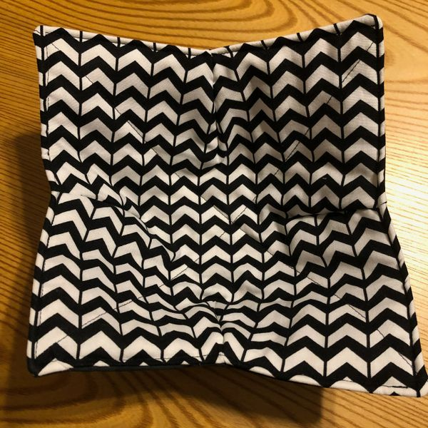 Microwaveable Bowl Cozy -Black & White Broken Chevron; Made in the USA!
