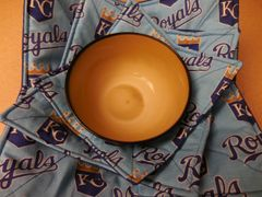 Microwaveable Bowl Cozy / Royals