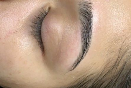 Waxing eyebrow