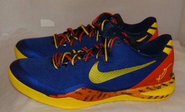 New Kobe 8 Barcelona Size 10.5 555035 402 #4550