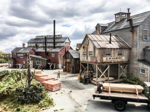 E W  Karker Saw & Planing Mill - HO Scale Kit
