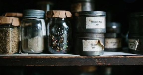 Prim Cupboard Clamshells