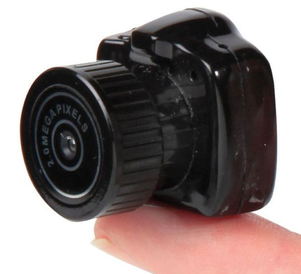 SPY CAMERA - ? worlds smallest ? - easy to use - *NEW - box slightly worn